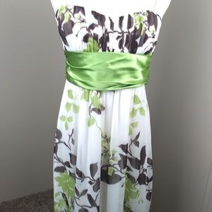 Speckless thin strapped dress size large w/ribbon